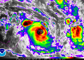 super-ciclone-ita-impatta-le-coste-del-queensland,-australia