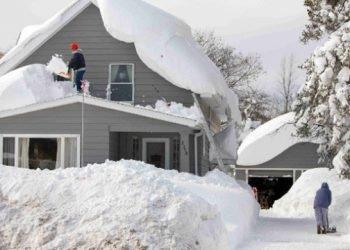 buffalo-e-dintorni:-crollano-30-tetti-per-il-peso-della-neve