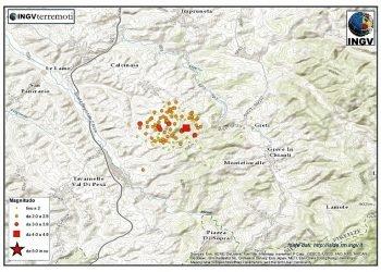 sciame-sismico-senza-sosta-in-toscana:-trema-la-terra-ogni-pochi-minuti