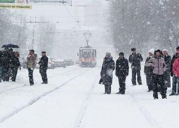 ecco-l'inverno-in-russia:-prima-neve-su-san-pietroburgo,-bufera-su-perm-e-tanto-altro