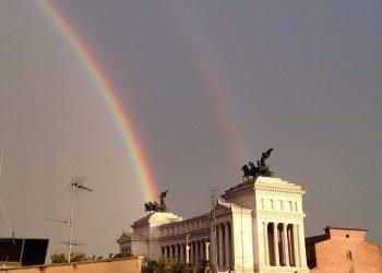 doppio-arcobaleno-dipinge-cielo-di-roma:-spettacolo-magico,-video-e-foto