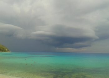 grecia,-temporali-su-un-mare-tropicale.-situazione-pericolosa