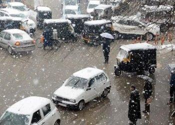 kashmir-isolato-per-le-forti-nevicate
