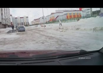 oggi-le-comiche:-vento-e-neve,-video-virale-dalla-russia