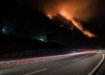 caldo-anomalo-e-niente-neve,-meteo-eccezionale-sulle-alpi.-numerosi-incendi