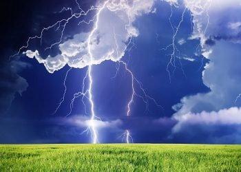 meteo-giovedi:-rischio-violenti-temporali,-ecco-le-zone-piu-colpite