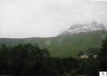 neve-fuori-stagione-per-il-solstizio-d'estate,-super-evento
