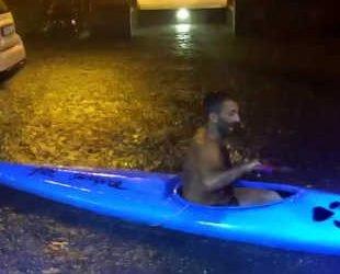 ischia,-dopo-violento-nubifragio-si-avventura-in-canoa:-video-incredibile