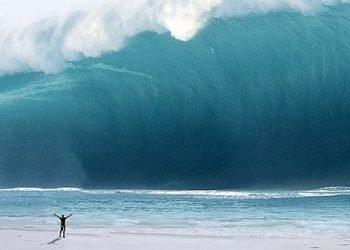 onde-di-tsunami-apocalittiche-alte-fino-a-120-metri,-dopo-impatto-asteroidi