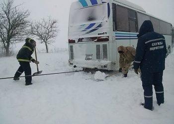 imponente-gelo-e-tempeste-di-neve-paralizzano-l'ucraina
