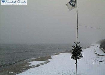 super-gelo-e-poi-neve-su-mezza-italia:-nuove-foto-e-video-17-dicembre-2010