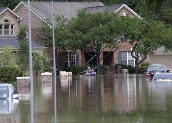 terribili-temporali-e-inondazioni-in-texas:-citta-sconvolte-dall'acqua