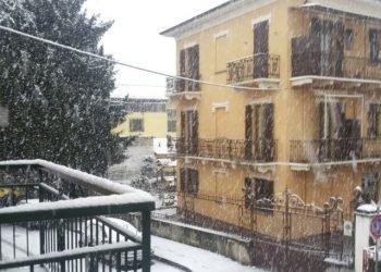 speciale-maltempo:-al-nord-ovest-la-neve-cade-in-pianura-bufere-di-neve-sulle-alpi-e-prealpi.-condizioni-meteo-avverse-in-pianura