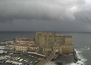 meteo-napoli:-peggioramento-con-forti-temporali-mercoledi.-ventoso,-ma-non-freddo