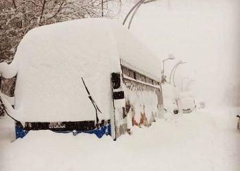 turchia,-nevica-ancora,-foto-di-citta-sepolte-di-neve.-30-gradi-sotto-zero-in-altura