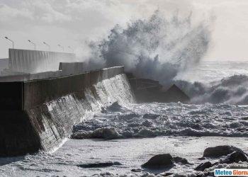 gli-effetti-dell'ex-uragano-sebastien:-tempesta-di-vento-sulla-francia