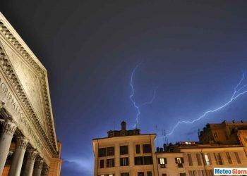 meteo-roma:-acquazzoni-giovedi,-poi-breve-intervallo-prima-di-un-nuovo-fronte