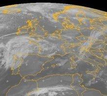 bordata-umida-oceanica,-scontro-tra-masse-determina-nuvolosita-diffusa