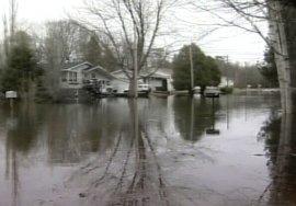 prima-tanta-neve,-poi-il-caldo:-inondazioni-in-canada-orientale