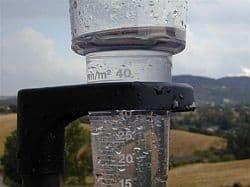 gli-strumenti-per-le-rilevazioni-meteo:-parte-1-–-il-pluviometro-e-il-nivometro