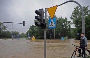 maltempo-e-alluvioni-tra-polonia-e-repubbliche-ceca-e-slovacca,-gran-neve-sui-monti.-festival-del-caldo-in-medio-oriente,-regione-indiana-e-sahel