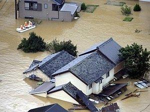 diluvio-record-in-giappone,-il-tifone-peggiore-dal-2004.-super-vento-in-gran-bretagna