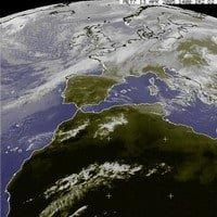 grandi-manovre-in-atlantico-con-l'alta-pressione-che-si-spinge-verso-nordovest,-mentre-l'aria-fredda-entra-sulla-francia-diretta-verso-il-bacino-del-mediterraneo