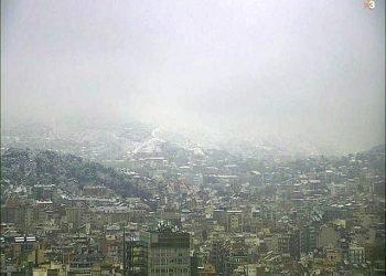aria-gelida-inizia-a-sfondare-verso-il-mediterraneo:-neve-a-barcellona