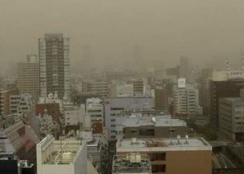 tokyo-avvolta-da-una-tempesta-di-sabbia:-panico-per-nube-tossica,-video