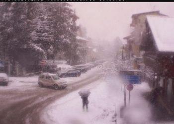 bufere-di-neve-sulla-sila,-nevica-dai-1200-metri