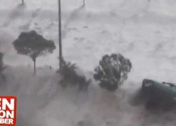 mareggiata-tsunami-di-giresun-auto-spazzate-via-dalle-onde.-nuovi-incredibili-video