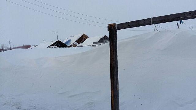 eccezionali nevicate in jacuzia la terra del grande gelo siberiano foto 45194 1 3 - Eccezionali nevicate in Jacuzia, la terra del grande gelo siberiano. FOTO