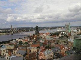 Riga fotografata da Giovanni Staiano nell'agosto 2005. La capitale lettone non ha ancora messo l'abito invernale, la neve si fa attendere e le temperature faticano a scendere sotto lo zero.